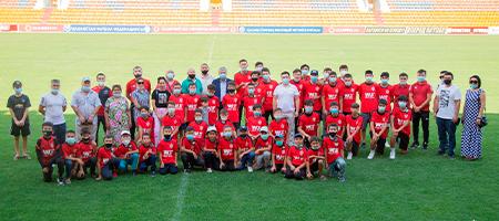 Спортивную экипировку подарили молодым футзалистам «Актобе»