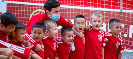 Полная спортивная экипировка вручена воспитанникам футбольного центра «Актобе»